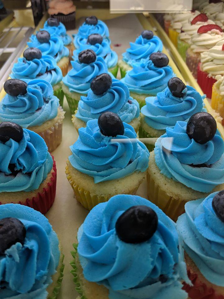 boozy blue cupcakes rays boozy cupcakes