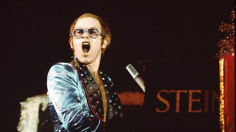 elton john's disappointing meeting with elvis presley