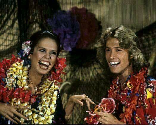 marie osmond and andy gibb leis
