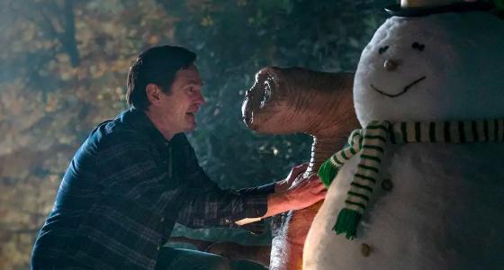 ET and Elliott reunion tv commercial