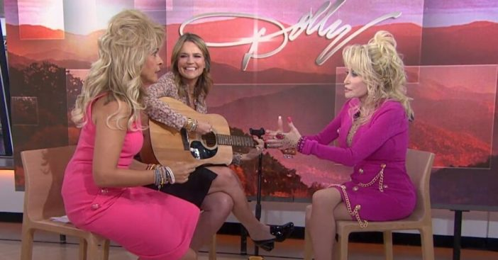 Hoda Kotb and Savannah Guthrie sing Jolene for Dolly Parton