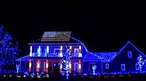 This Holiday Light Contest winner based in Florida honored America's troops