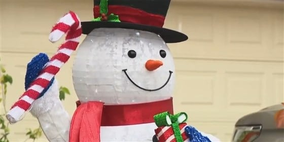 family told to take down christmas decorations because its too early