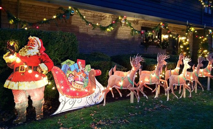 family told to take down christmas display because its too soon to decorate