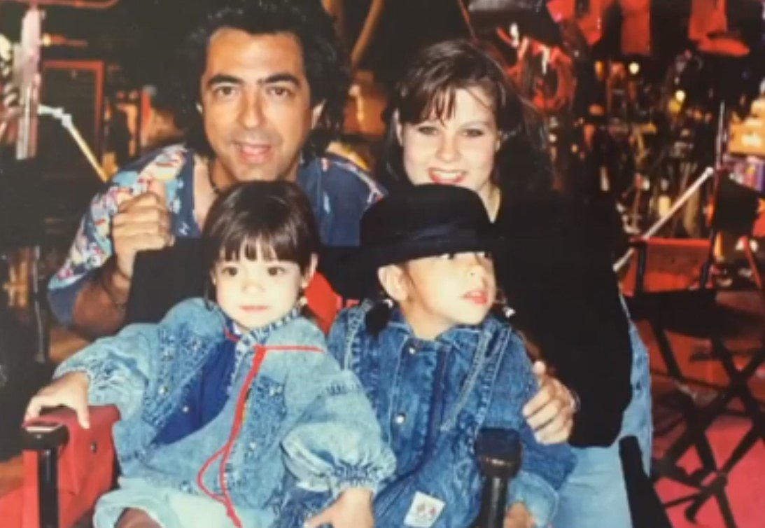 joe mantegna and family
