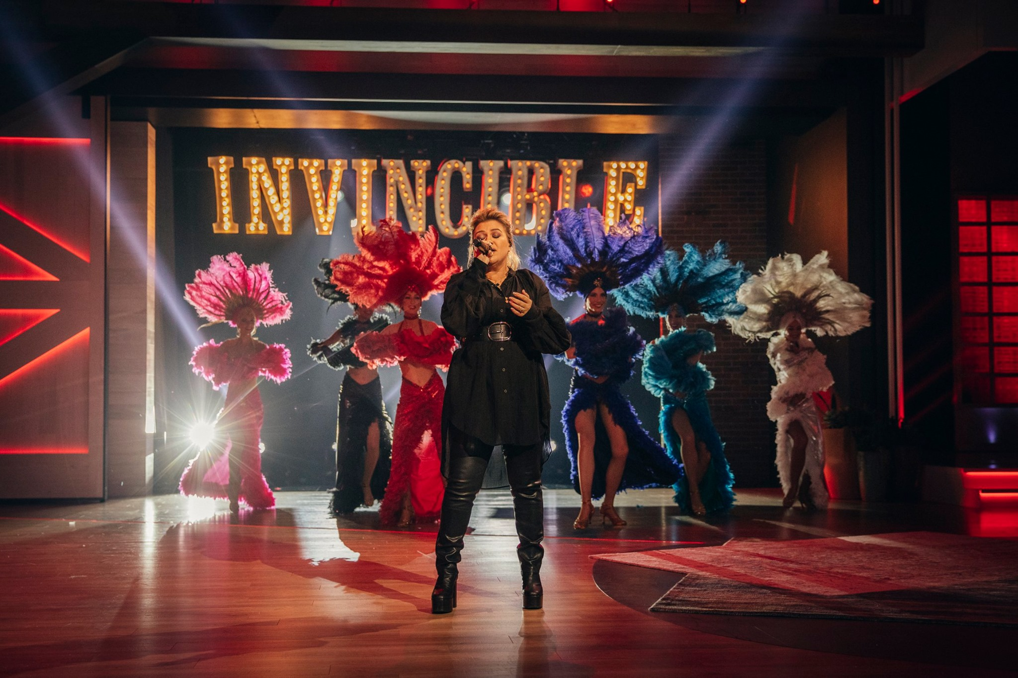 kelly clarkson invincible the kelly clarkson show