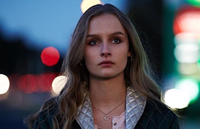 actress olivia dejonge to play priscilla presley