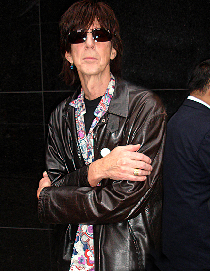 ric ocasek cuts estranged wife out of will