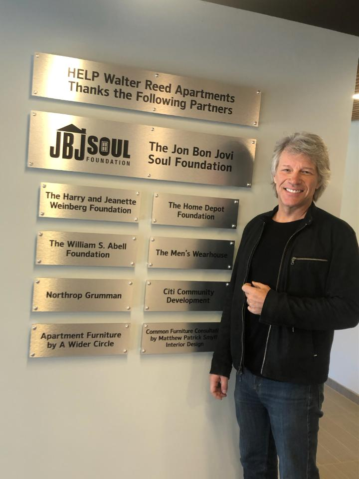 bon jovi donates $500,000 to a living facility for homeless veterans