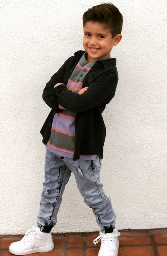 Mario Lopez S Kids Dress Up In Saved By The Bell Costumes