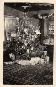 100 years ago, the Christmas tree took center stage