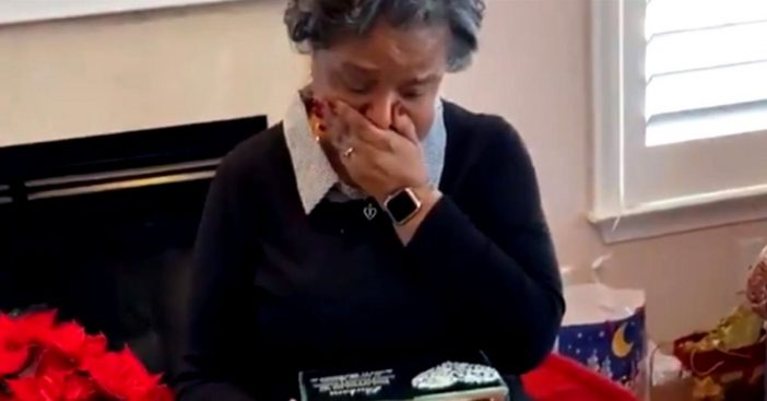 Grandma Is Brought To Tears On Christmas With Old Love Letters From Her Late Husband