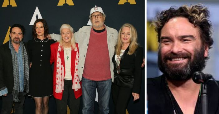 Johnny Galecki reunites with his Christmas Vacation co stars