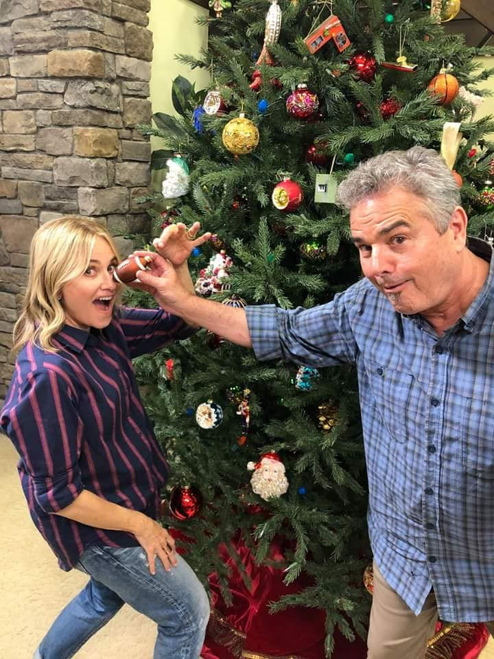 maureen mccormick christopher knight christmas tree brady bunch