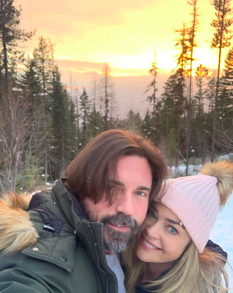 denise richards daughters look so grown up in christmas card photo
