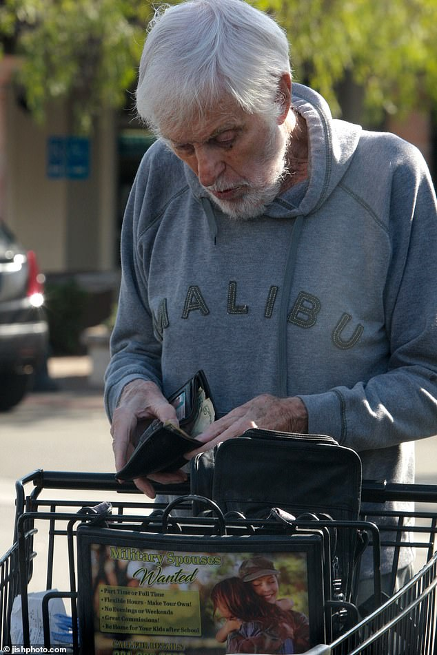 dick van dyke shopping for groceries at 94 years old