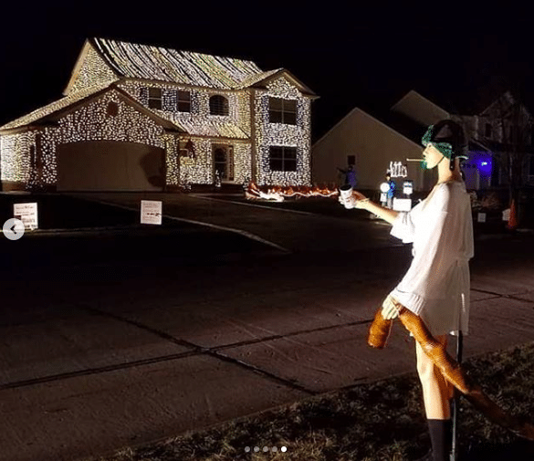 Ohio Family Puts Up An Incredible 'Christmas Vacation' Light Display Every Year