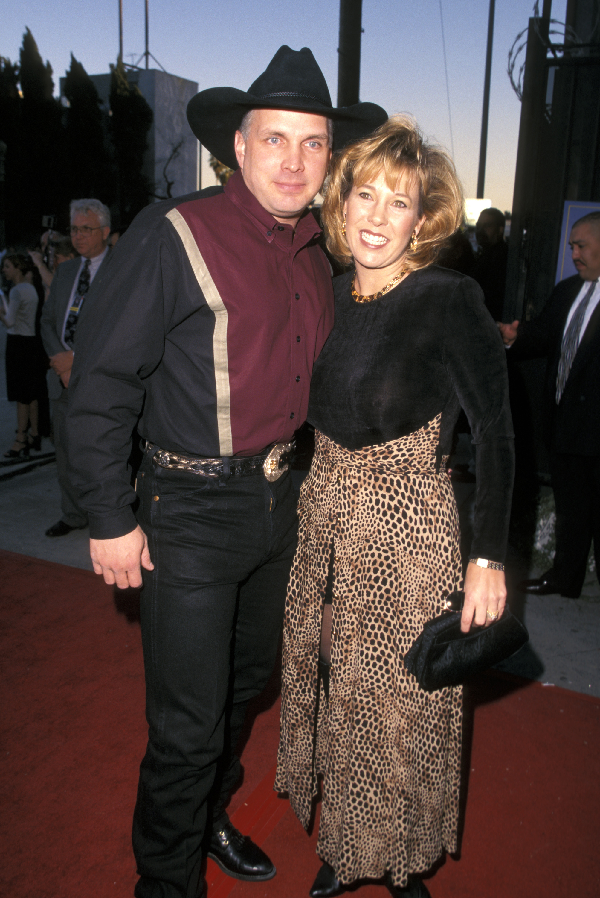 garth brooks and ex wife sandy mahl