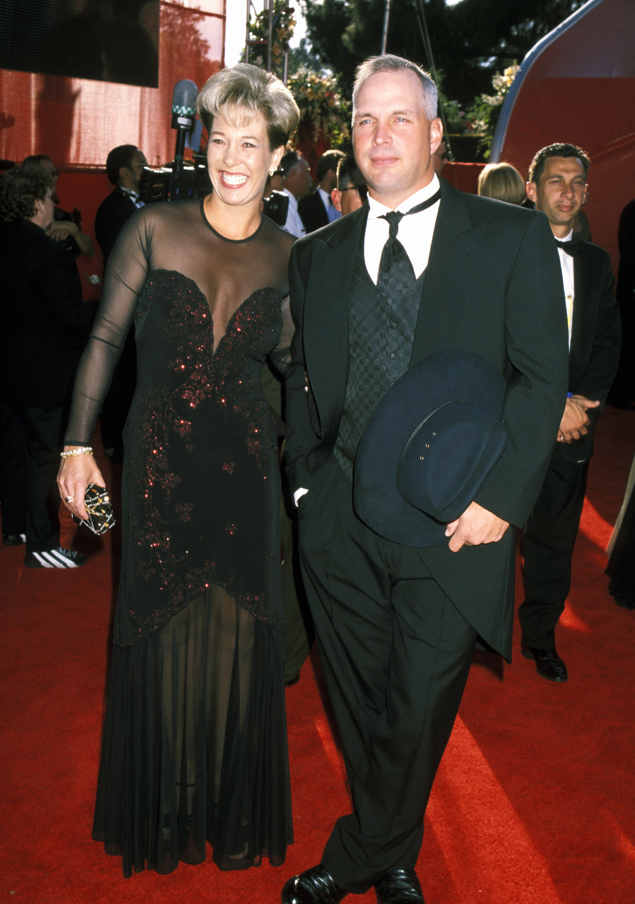 garth brooks ex wife sandy mahl award show