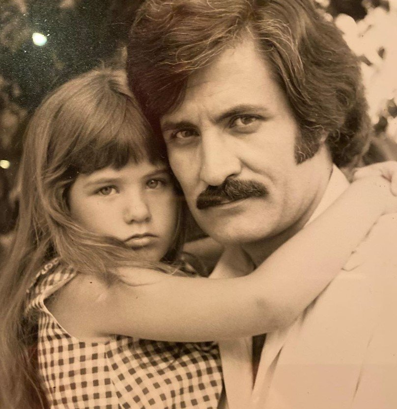 jennifer and john aniston young throwback photo