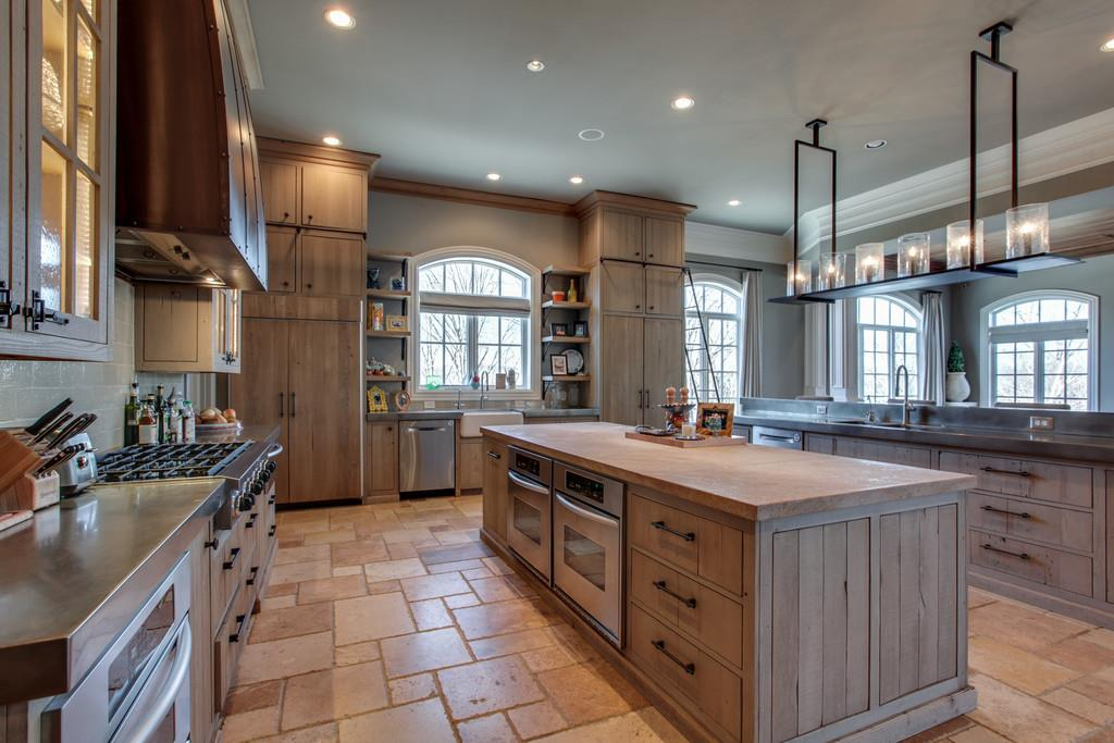 kelly clarkson kitchen