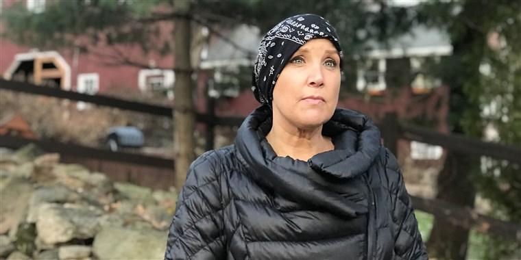 kristen dahlgren talks breast cancer symptoms
