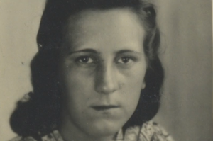 Felicitas Narloch was only a teenager when she and her grandmother readily agreed to help a Jewish woman, Chawa, who came to their door