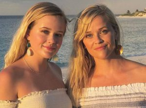 Reese Witherspoon and Ava Phillippe really could be twins