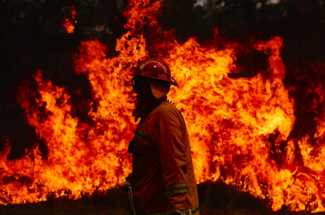 elton john pledges $1 million to the australia bushfires