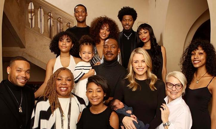 eddie murphy holiday photo with granddaughter evie