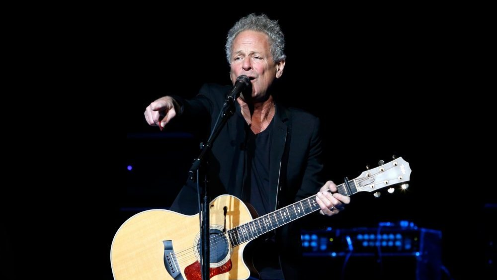 mick fleetwood says lindsey buckingham will never reunite with the band