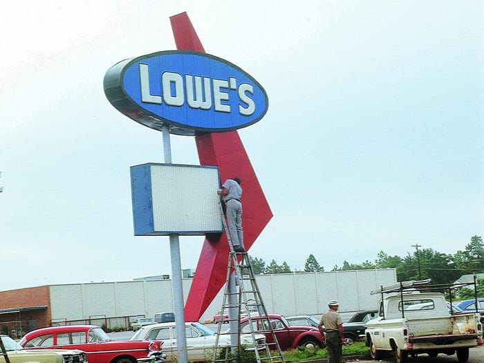 what lowe's looked like when it first opened