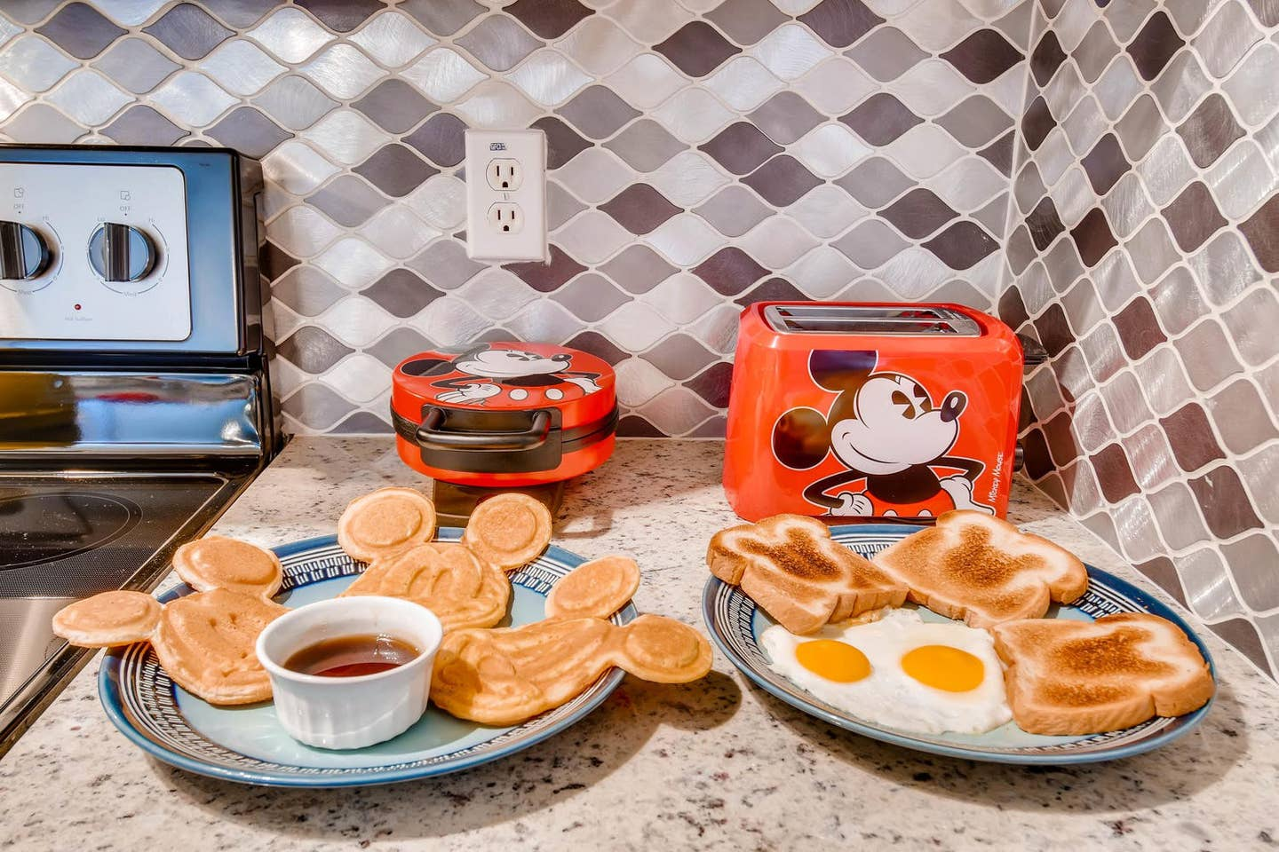 mickey mouse appliances airbnb kissimmee fl