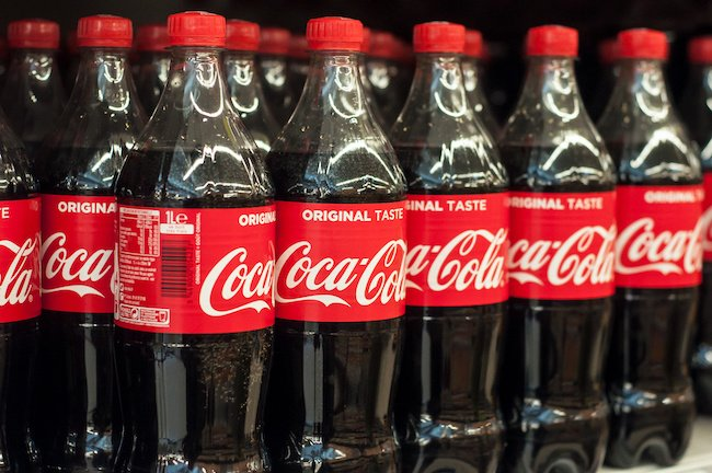 coca-cola still using plastic bottles