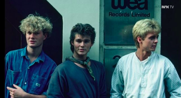 take on me by a-ha moves past one billion youtube views