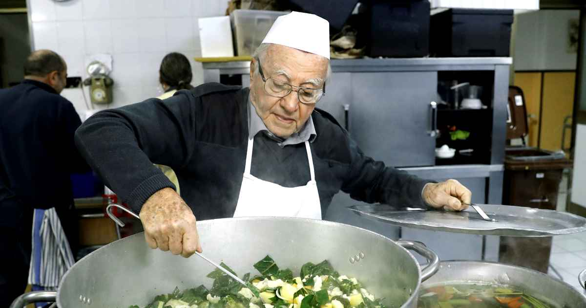 Dino Impagliazzo is the chef of the poor cooking meals for the homeless at 90 years old
