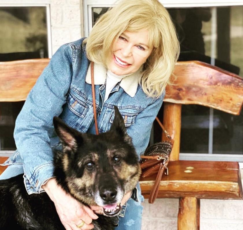 loretta swit dog
