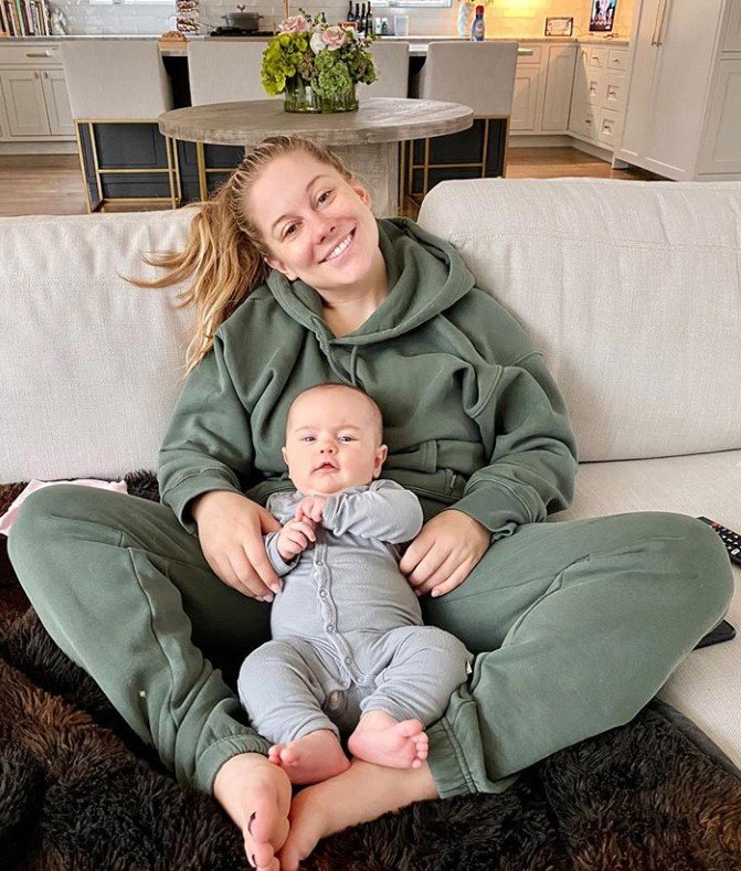 shawn johnson and baby drew
