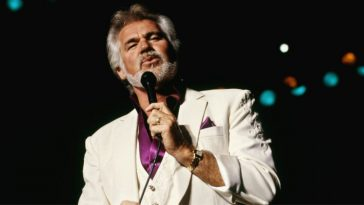 Breaking_ Country Music Icon, Kenny Rogers, Dies At 81