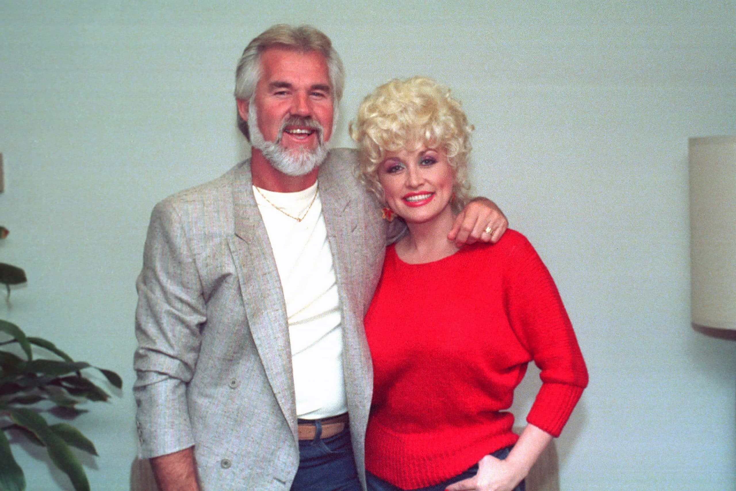 dolly parton reacts kenny rogers death