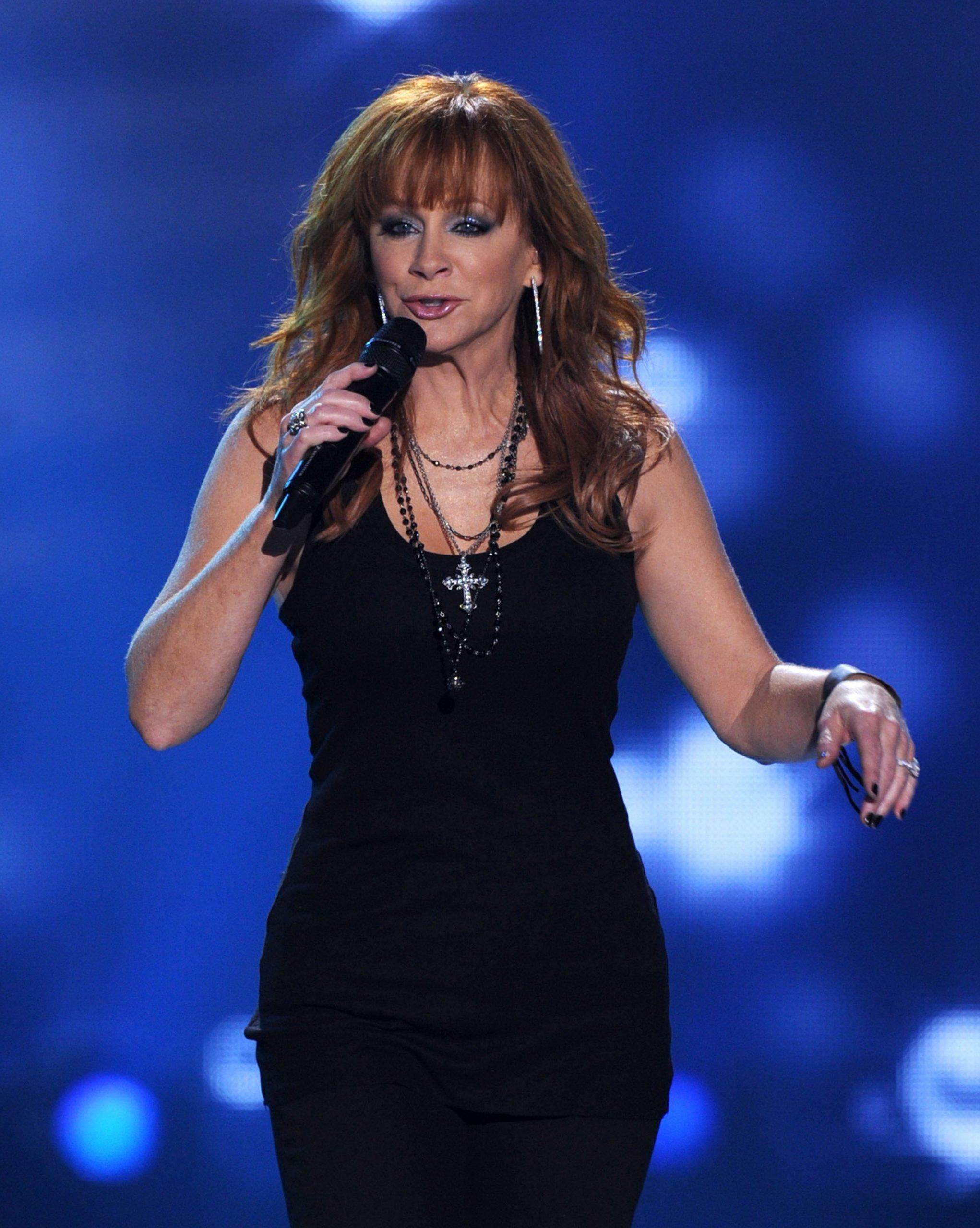 reba performing in the 2010s