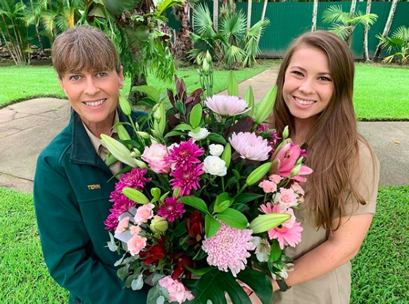 robert and bindi irwin post loving messages for mom terri on international women's day