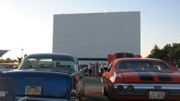 Drive in movie theaters are making a comeback