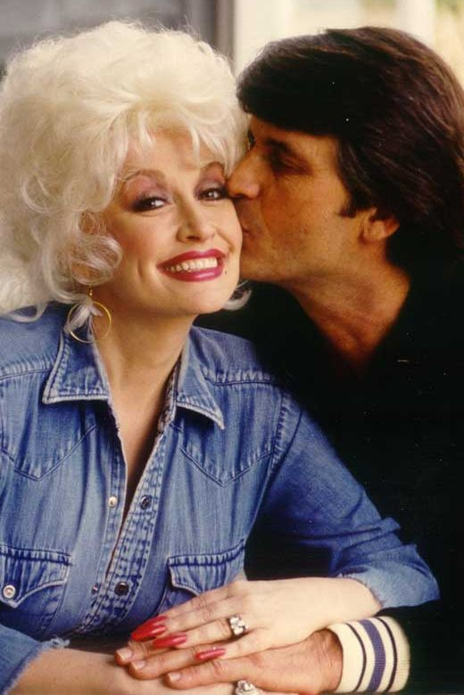 why dolly parton kept marriage to carl dean a secret