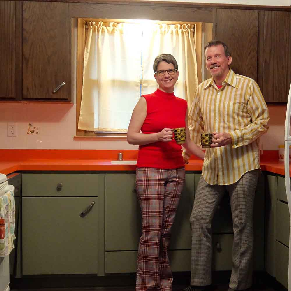 duane and wendy in their new brady bunch themed kitchen
