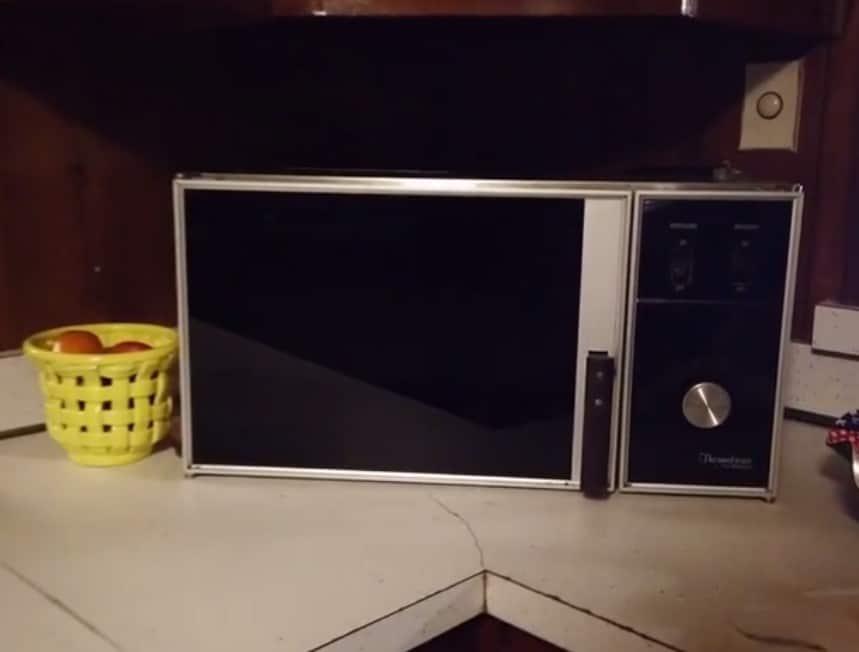 elvis presleys microwave graceland