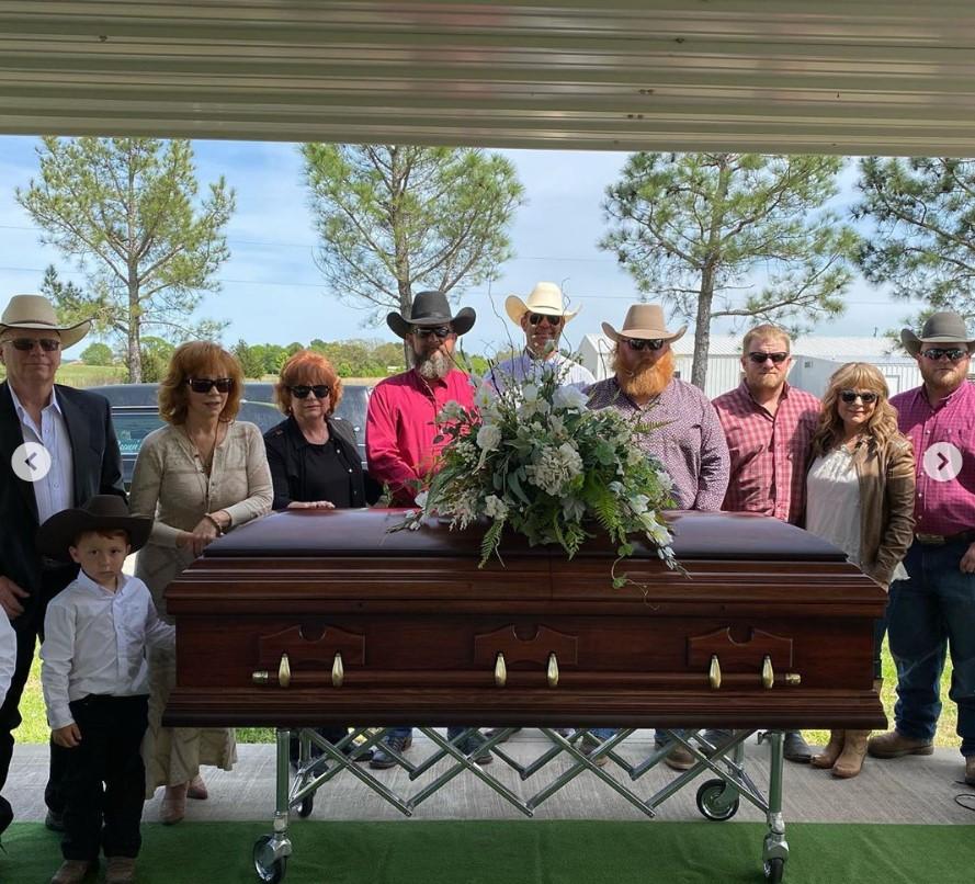 reba mcentire mother funeral