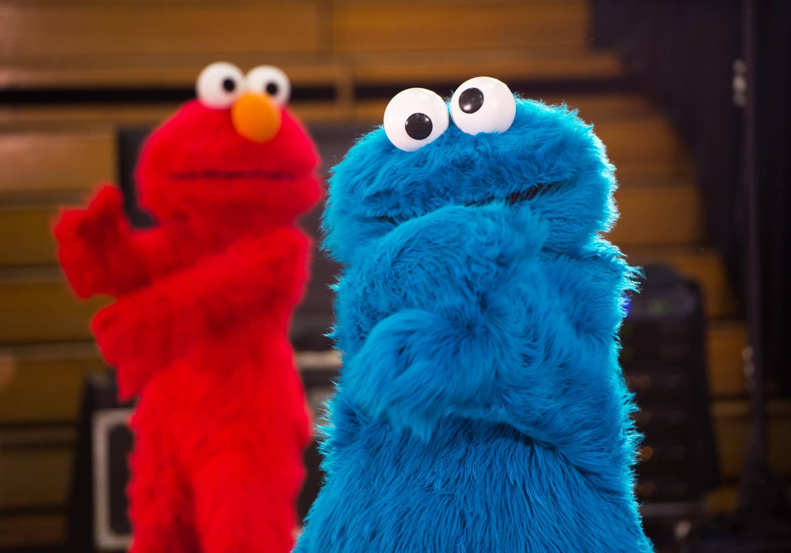 elmo and cookie monster sesame street