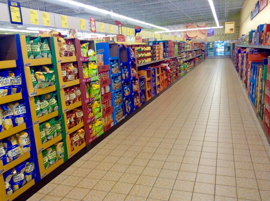 grocery store aisle aldi