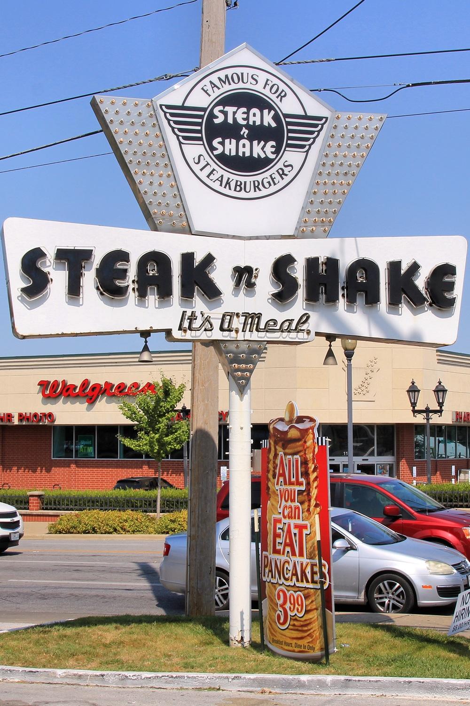 Steak 'N Shake restaurant old school steakburgers